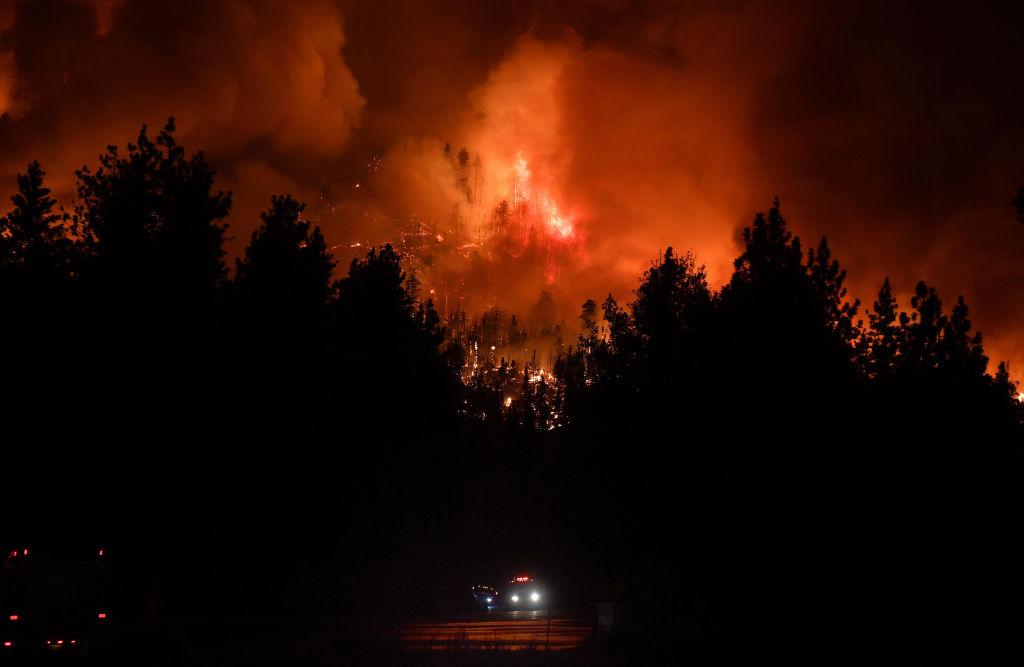 "Firefighters Holding The Line On El Dorado Fire""n"