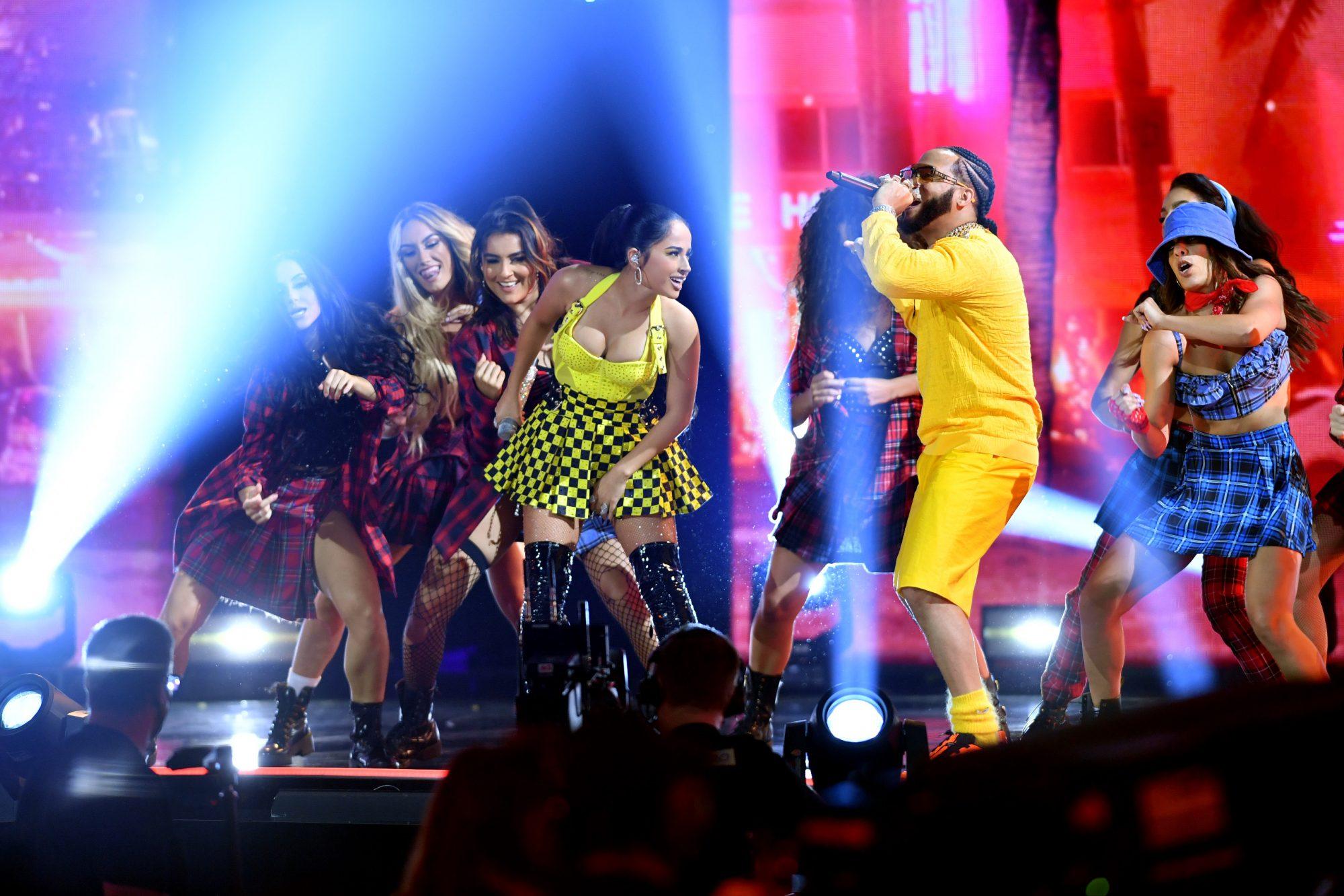 Becky G and El Alfa perform onstage at Premios Juventud 2021 at Watsco Center
