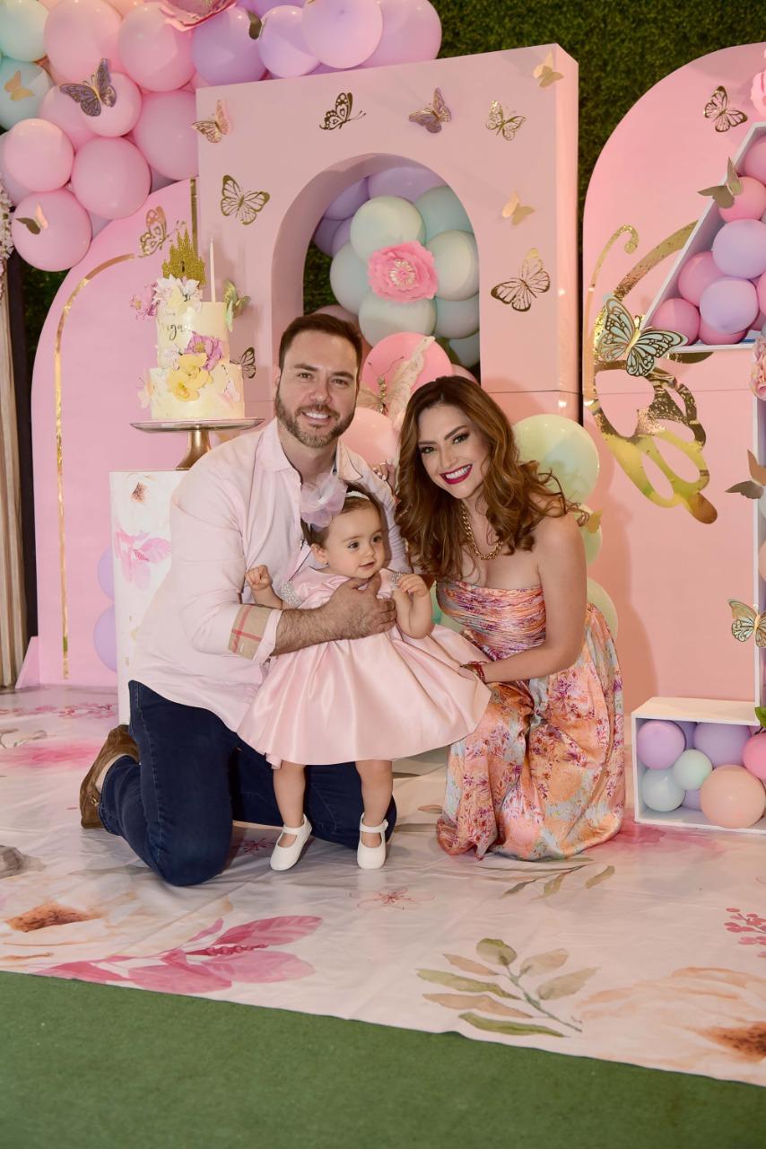 Michelle Galván y familia