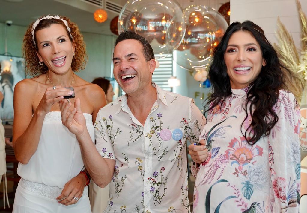 Carlos Calderón y Vanessa Lyon baby shower invitados
