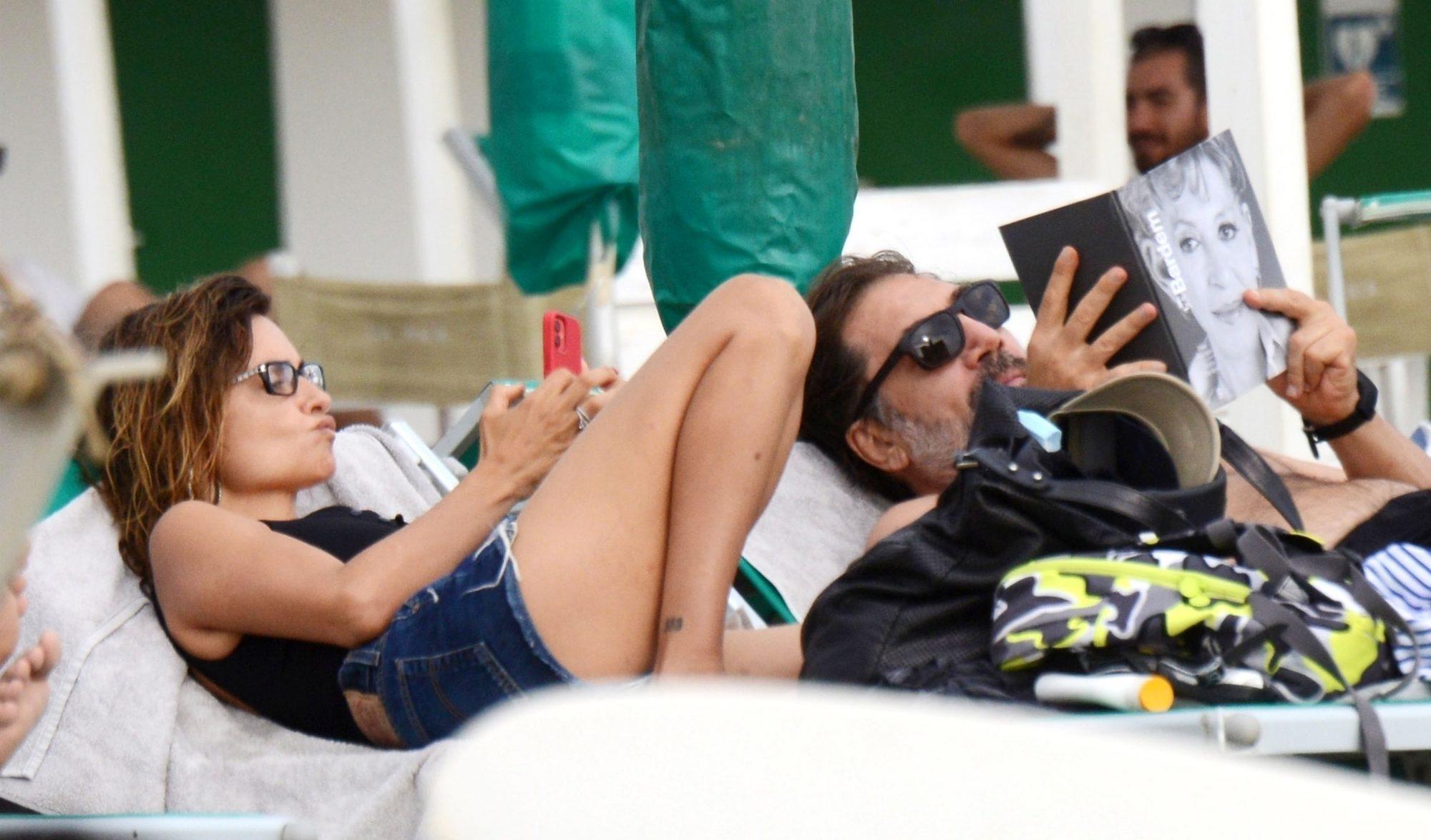 Penelope Cruz & Javier Bardem Seen Relaxing on Holiday with their Children in Fregene