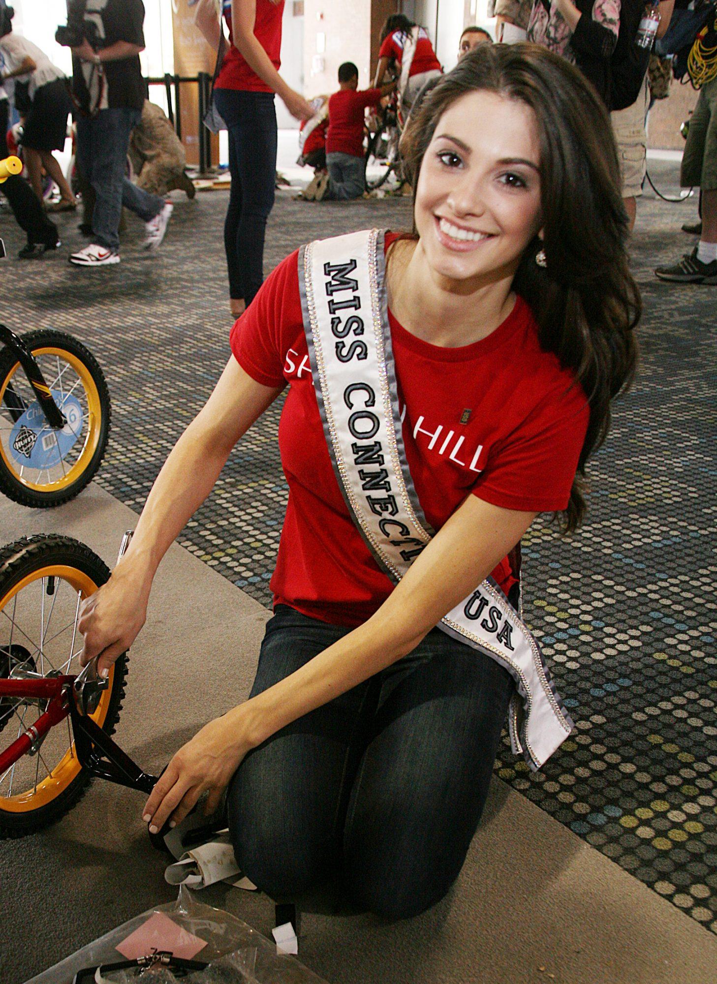 Miss Connecticut USA 2011 Regina Turner