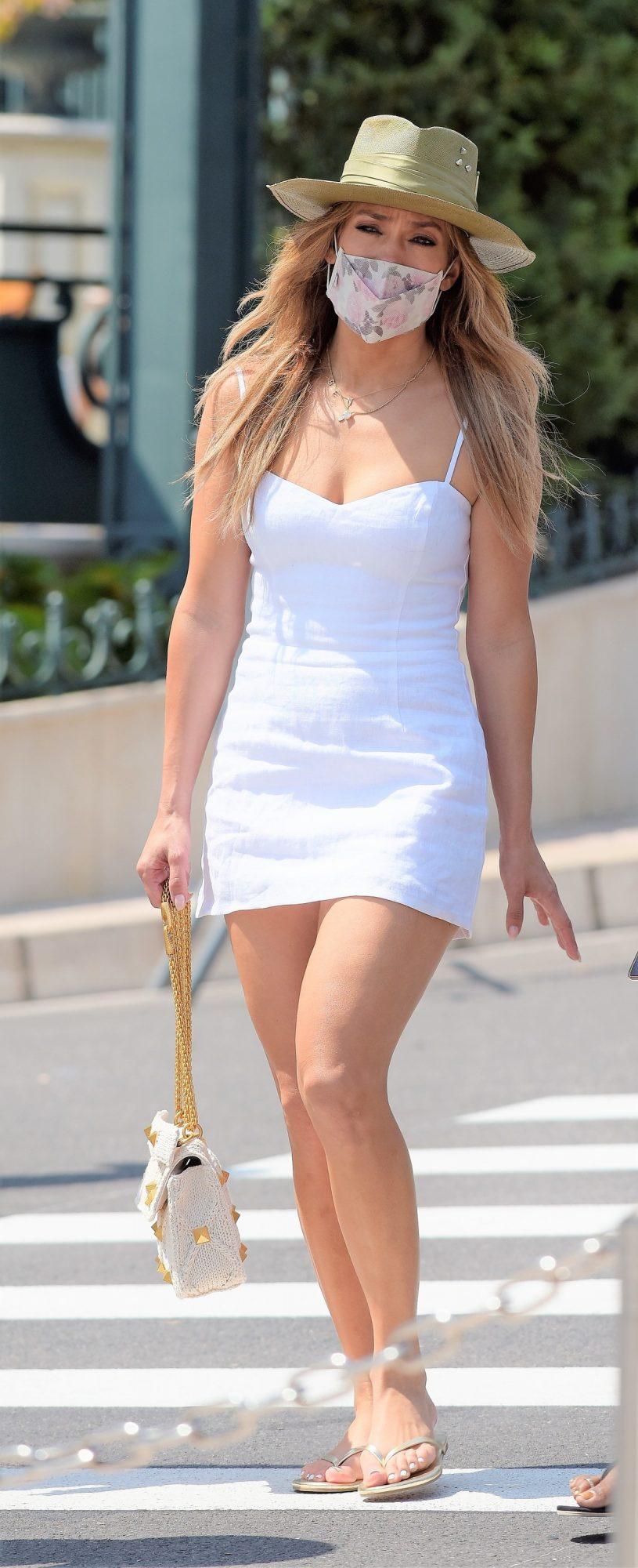 Jennifer Lopez, look del dia, vestido blanco