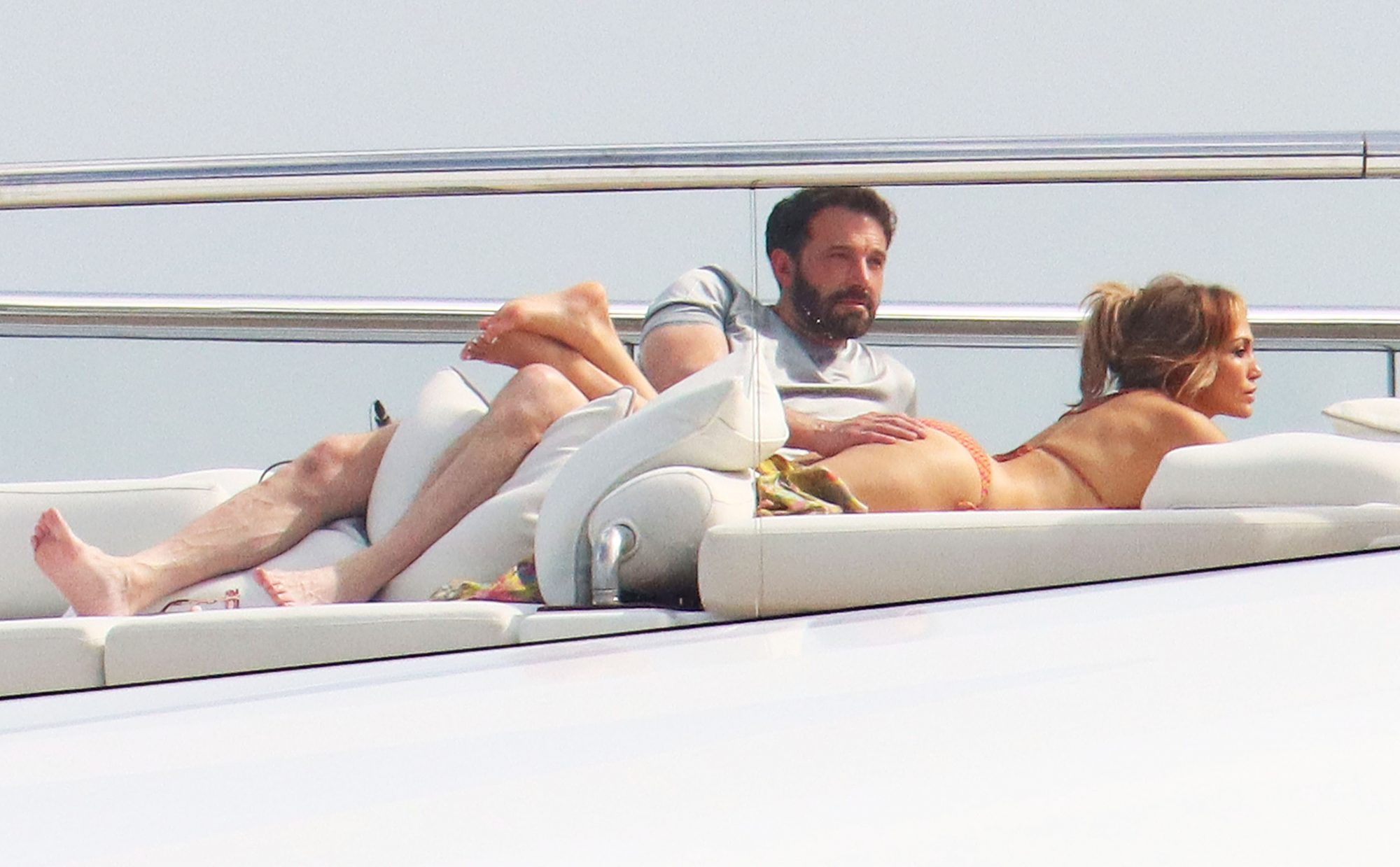 Ben Affleck and Jennifer Lopez Put on Some Serious PDA in Saint-Tropez