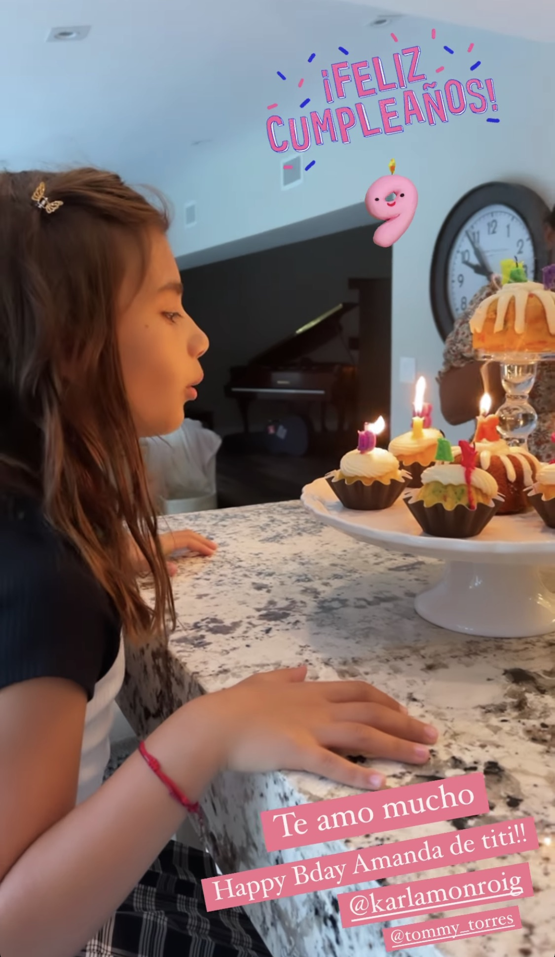 Adamari Lopez post hija Karla Monroig