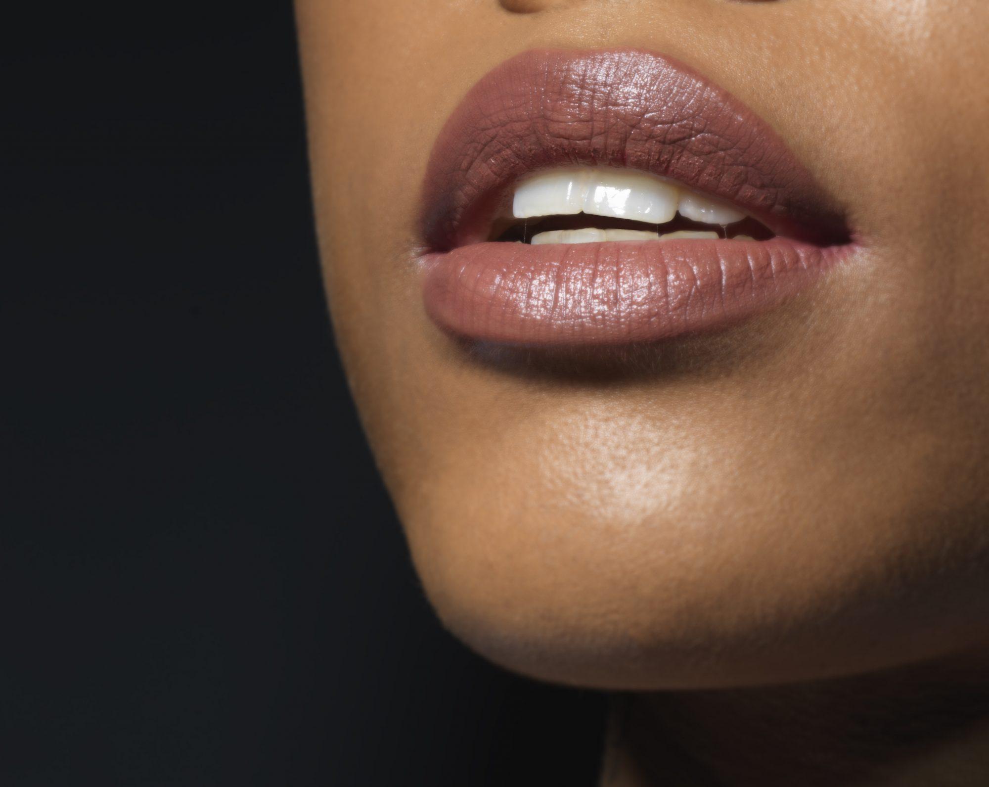labiales nude para latinas