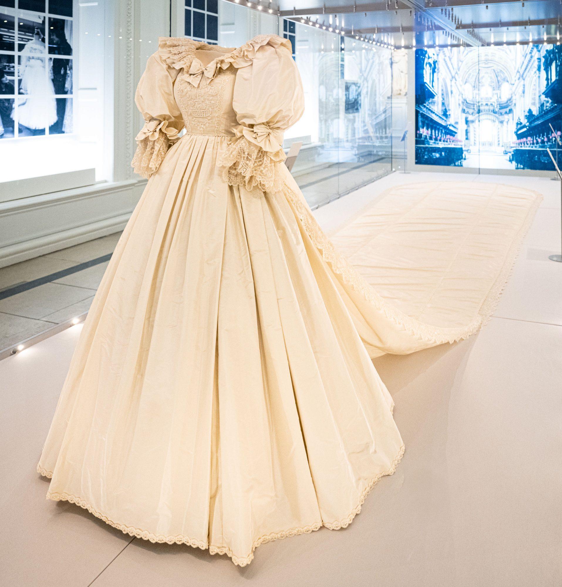 The wedding dress of Princess Diana