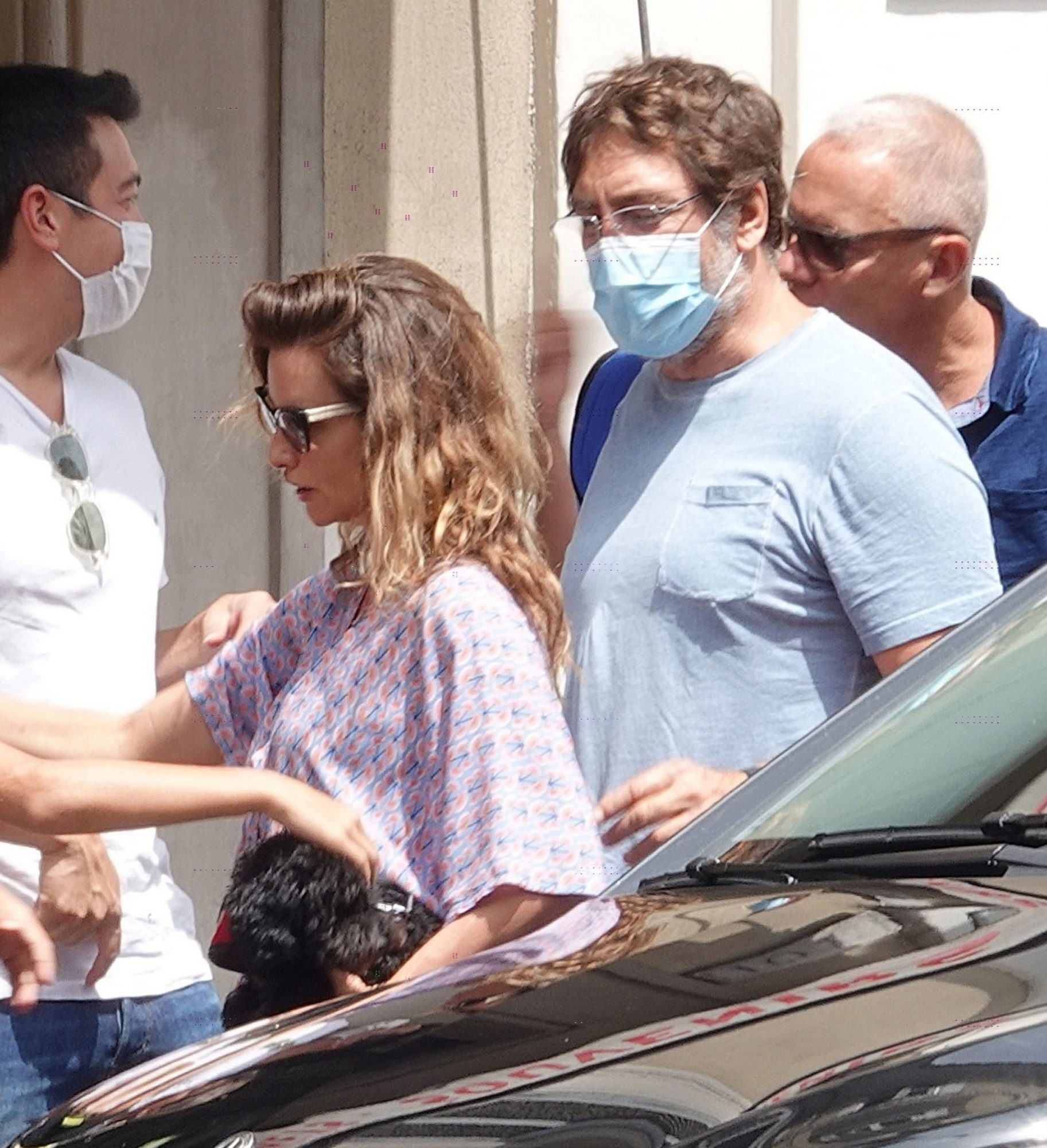 Penelope Cruz & Javier Bardem Visit the Vatican Museums on a Sightseeing Day Out