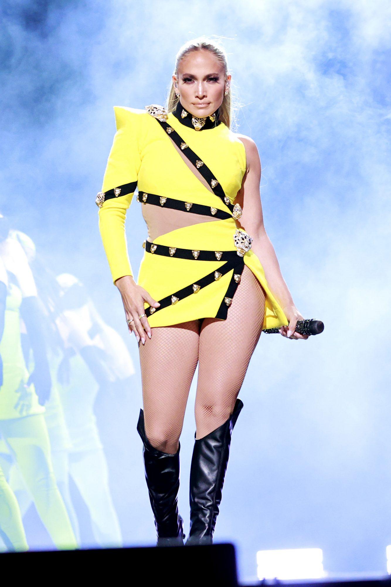 Jennifer Lopez, vacaciones por europa