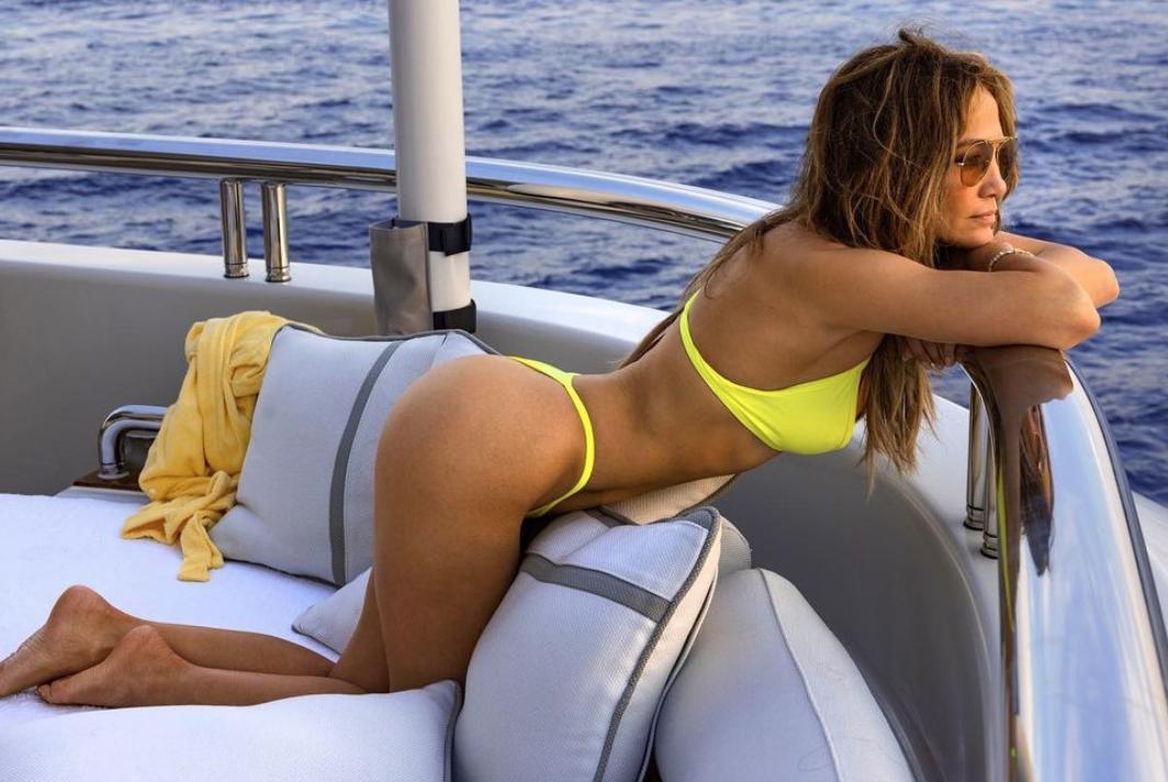 Jennifer Lopez en St Tropez, bikini