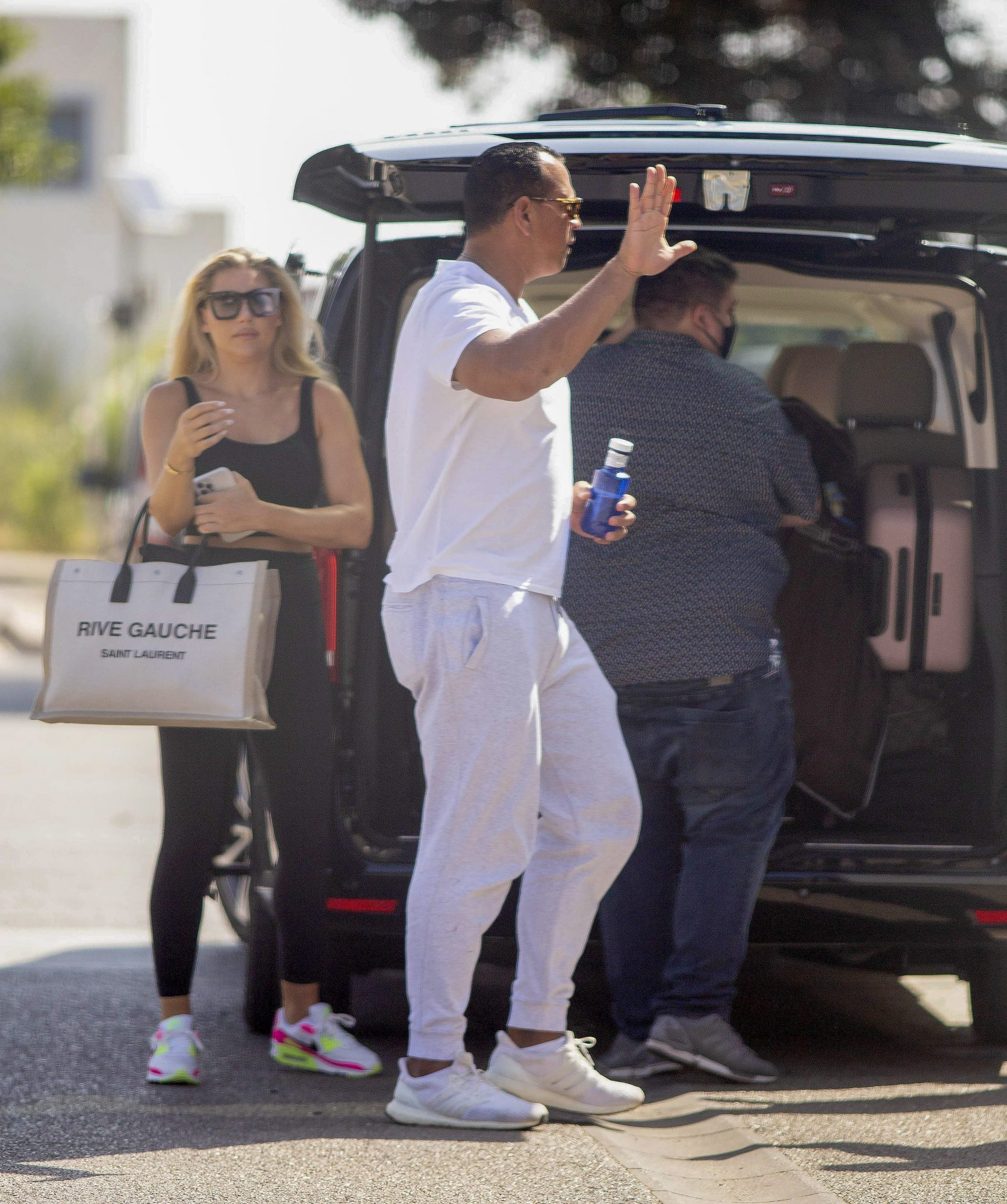 Alex Rodriguez and Melanie Collins Return to America on his Private Jet
