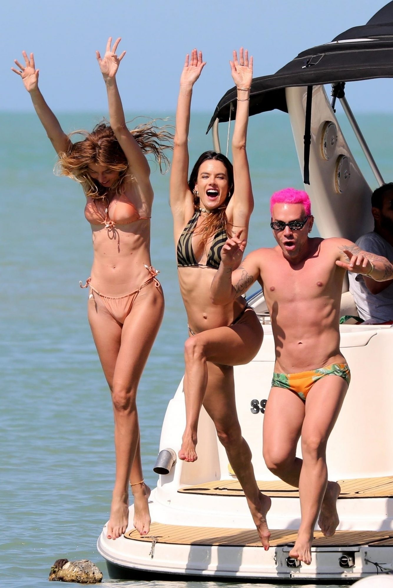 Alessandra Ambrosio and Friends are Having the Time of their Lives in Trancoso