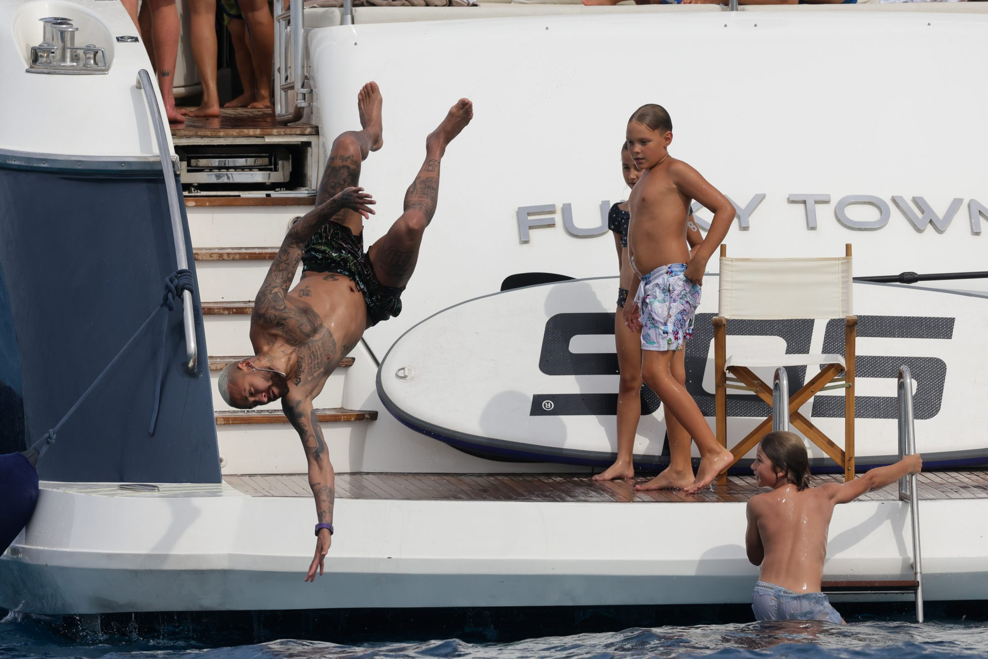 Neymar Enjoys a Day on his Luxury Yacht with Friends in Formentera