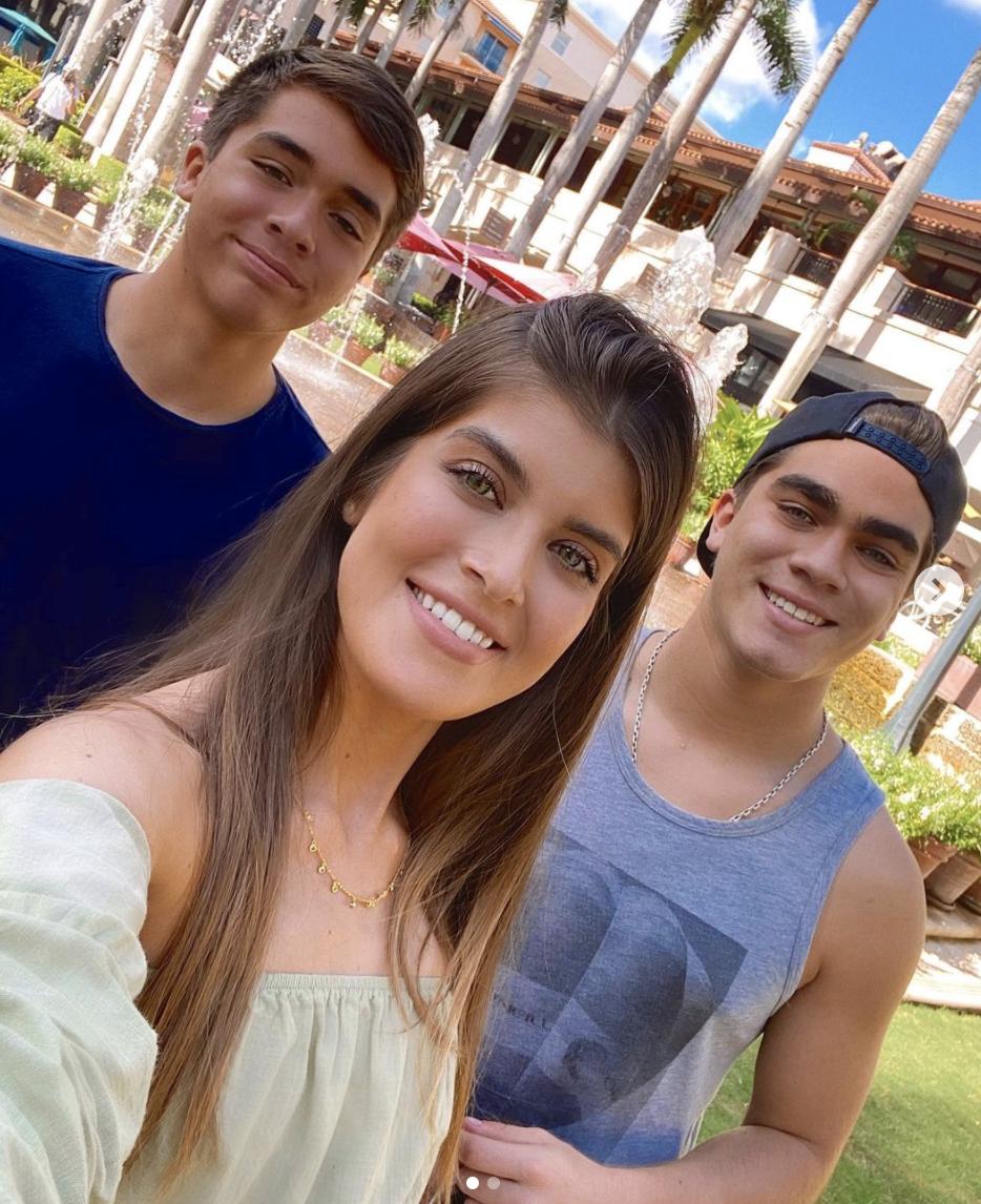 Gabriella Cataño, Jorge y Santiago Salinas