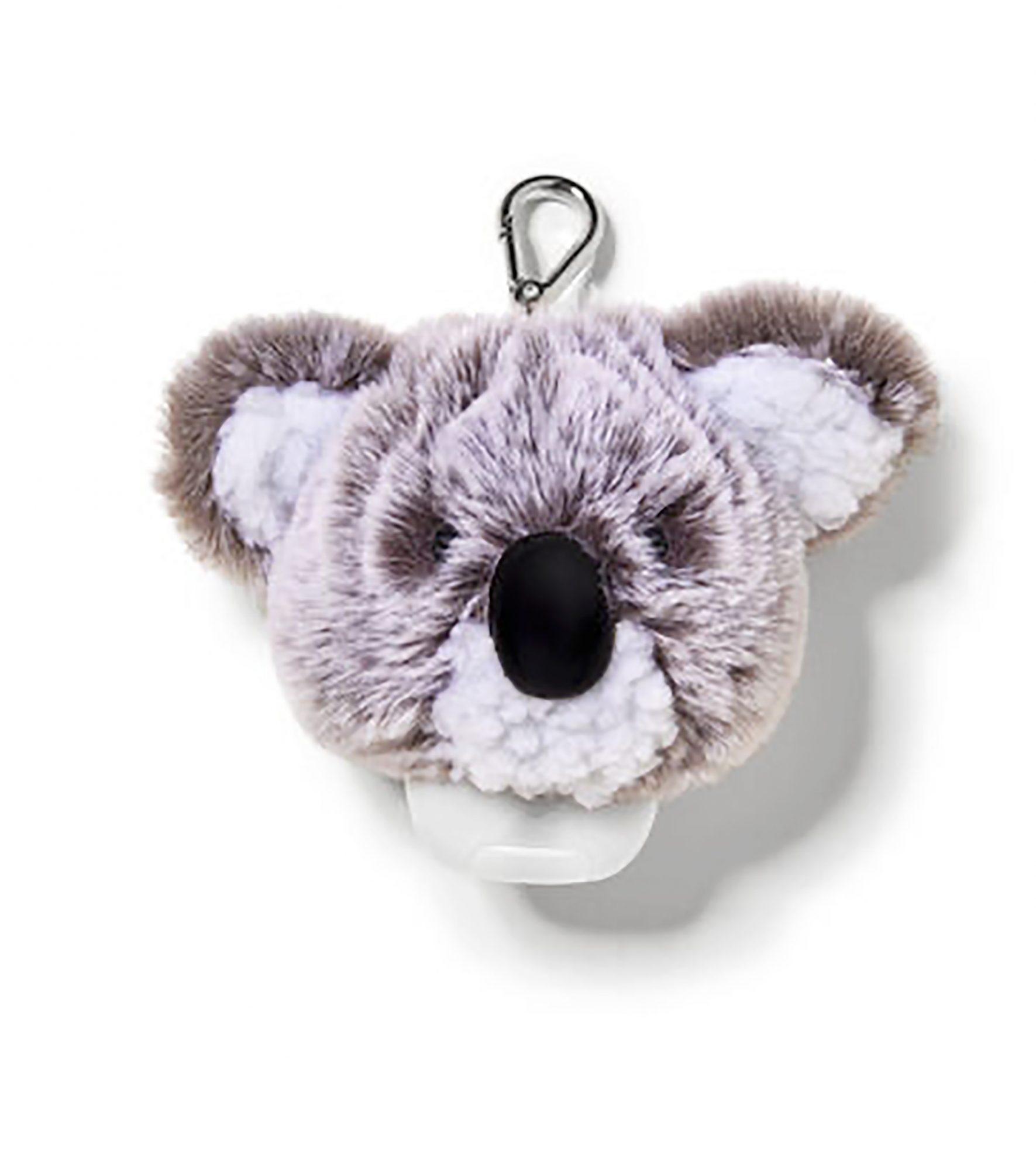 Un desinfectante de manos se ha transformado en algo que los chicos tienen que llevar en su morral. Nada mejor para darle un toque especial a este artículo esencial que un tierno koala.                             Precio: $9.95