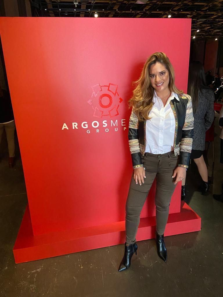 Otra que pasó a saludar fue la actriz Sabrina Seara quien visitó las nuevas instalaciones de la empresa productora Argos ¡bien!
