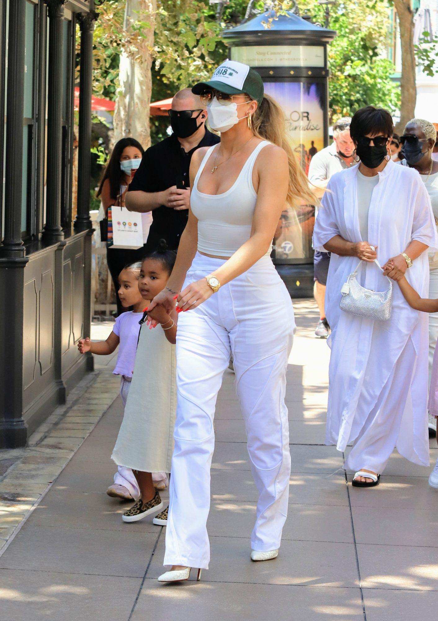 Khloe Kardashian, look del dia