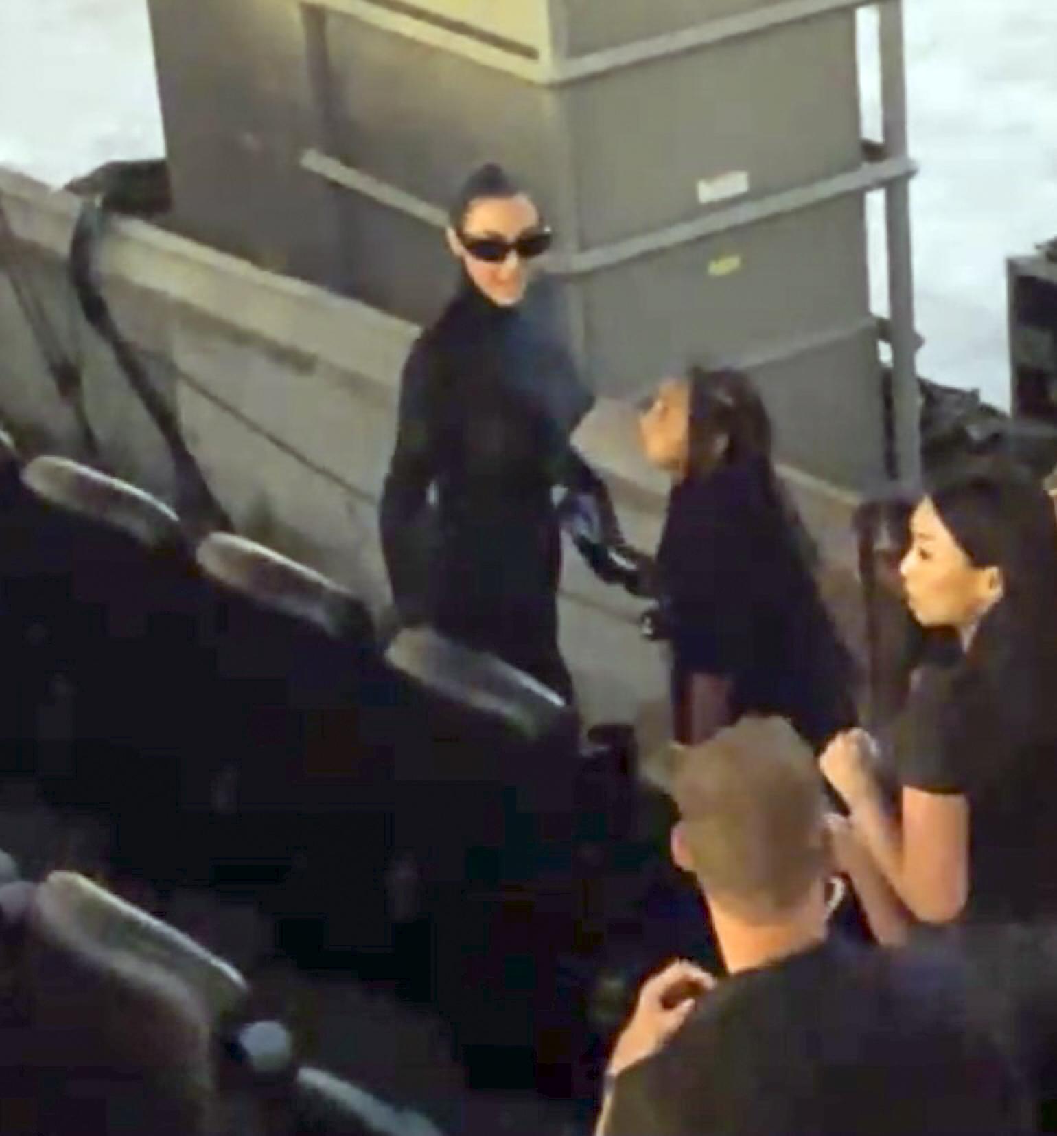 "Kim Kardashian con sus hijos apoya a Kanye West nuevo disco ""Donda"""