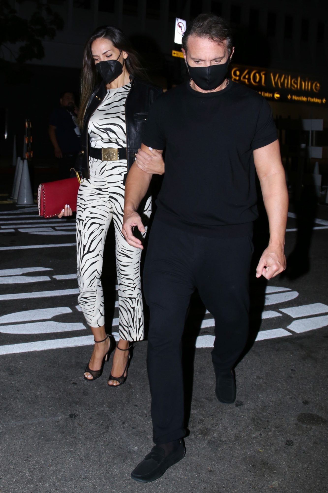 Luis Miguel estrena nuevo look durante una cena romantica con su novia argentina, Mercedes Villador