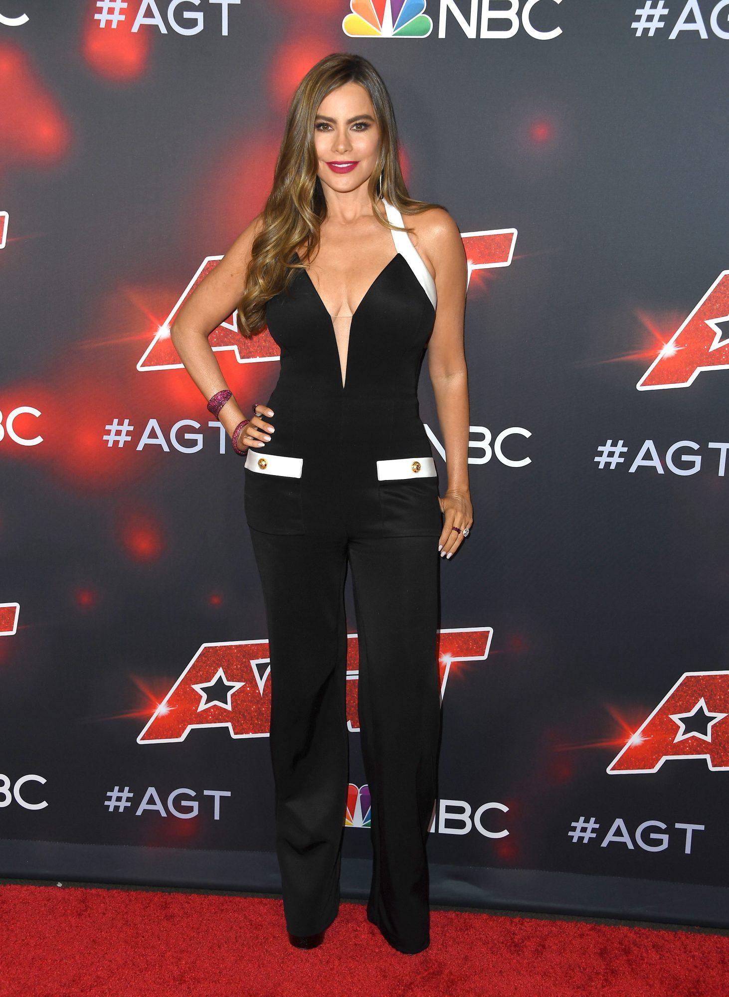 "Sofía Vergara Red Carpet For ""America's Got Talent"" Season 16"
