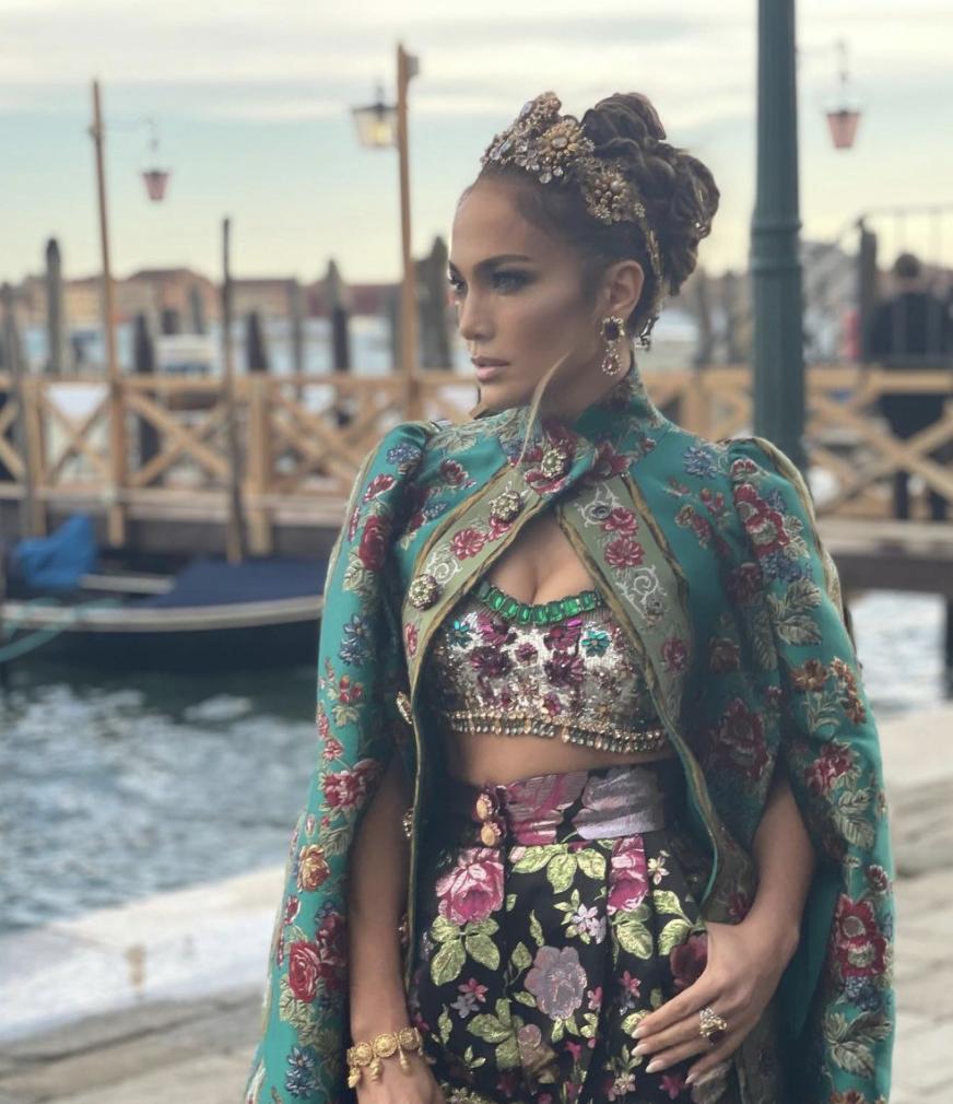 Jennifer López, J.Lo, Dolce & Gabbana