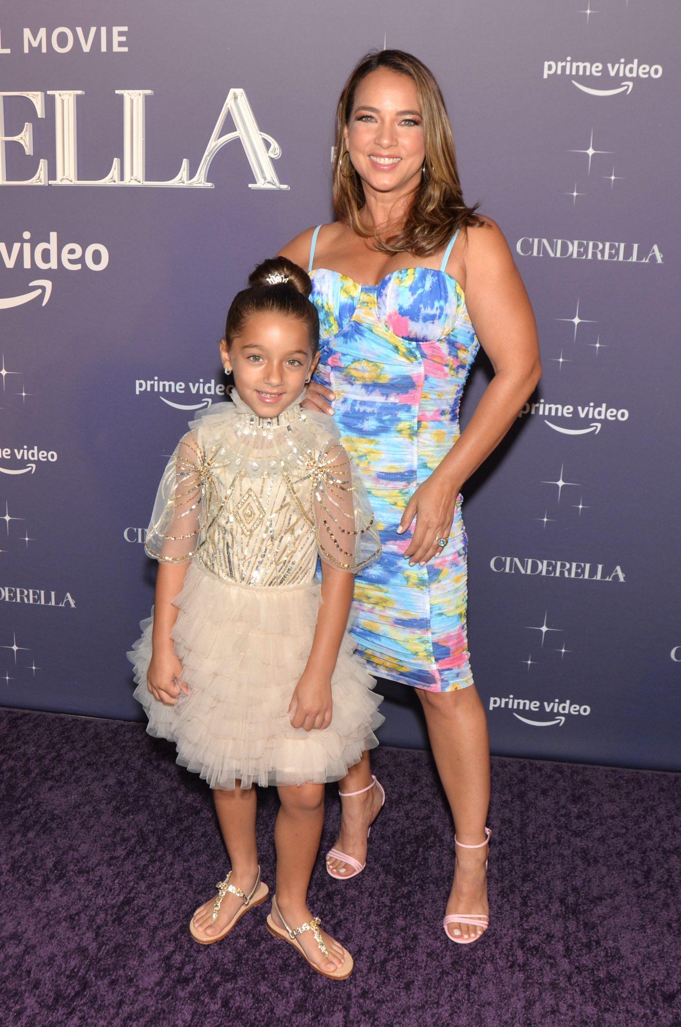 Adamari Lopez Alaia Costa premiere Cinderella en Miami