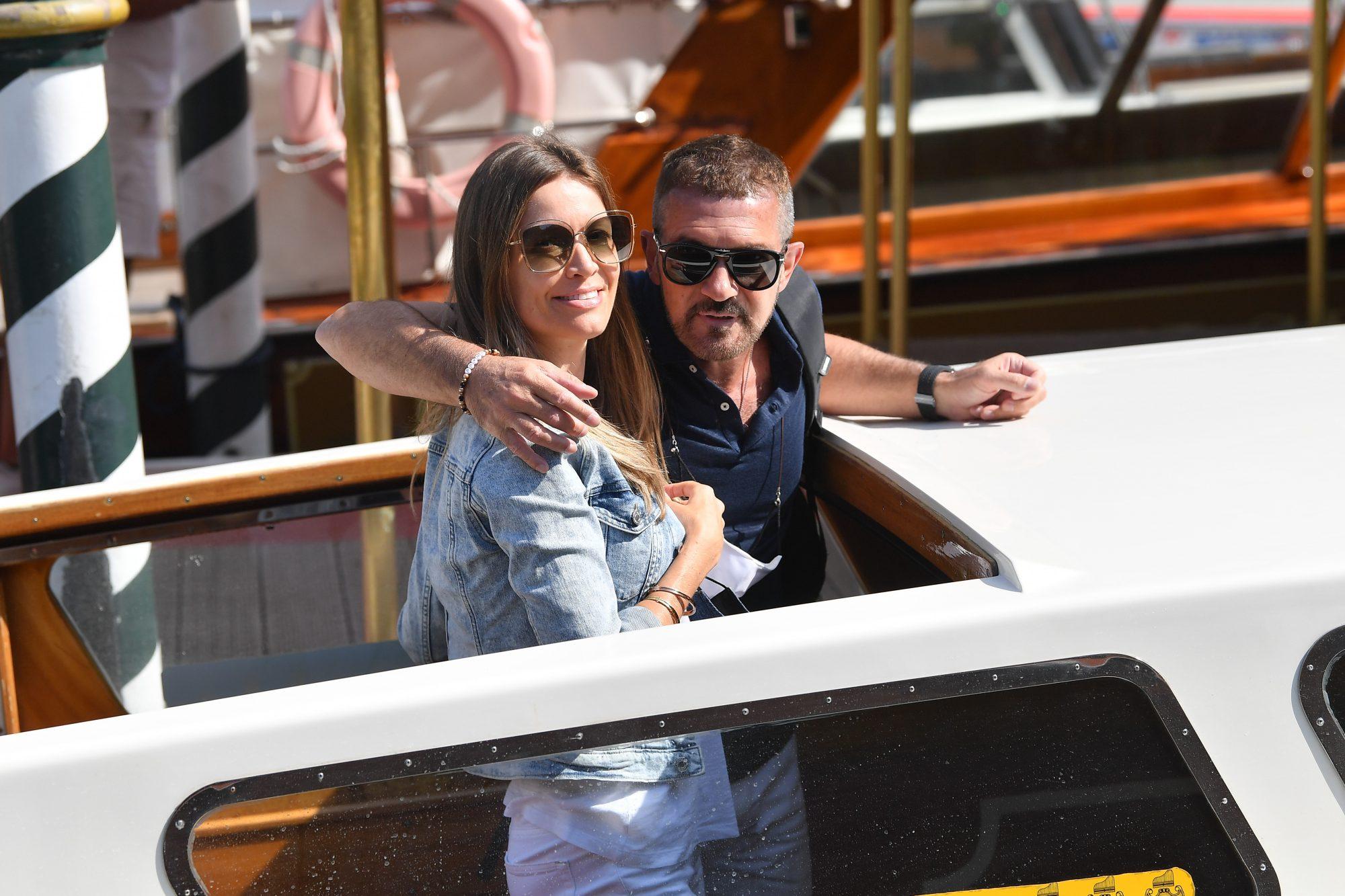 Antonio Banderas y su novia Nicole en el 78th Venice International Film Festival