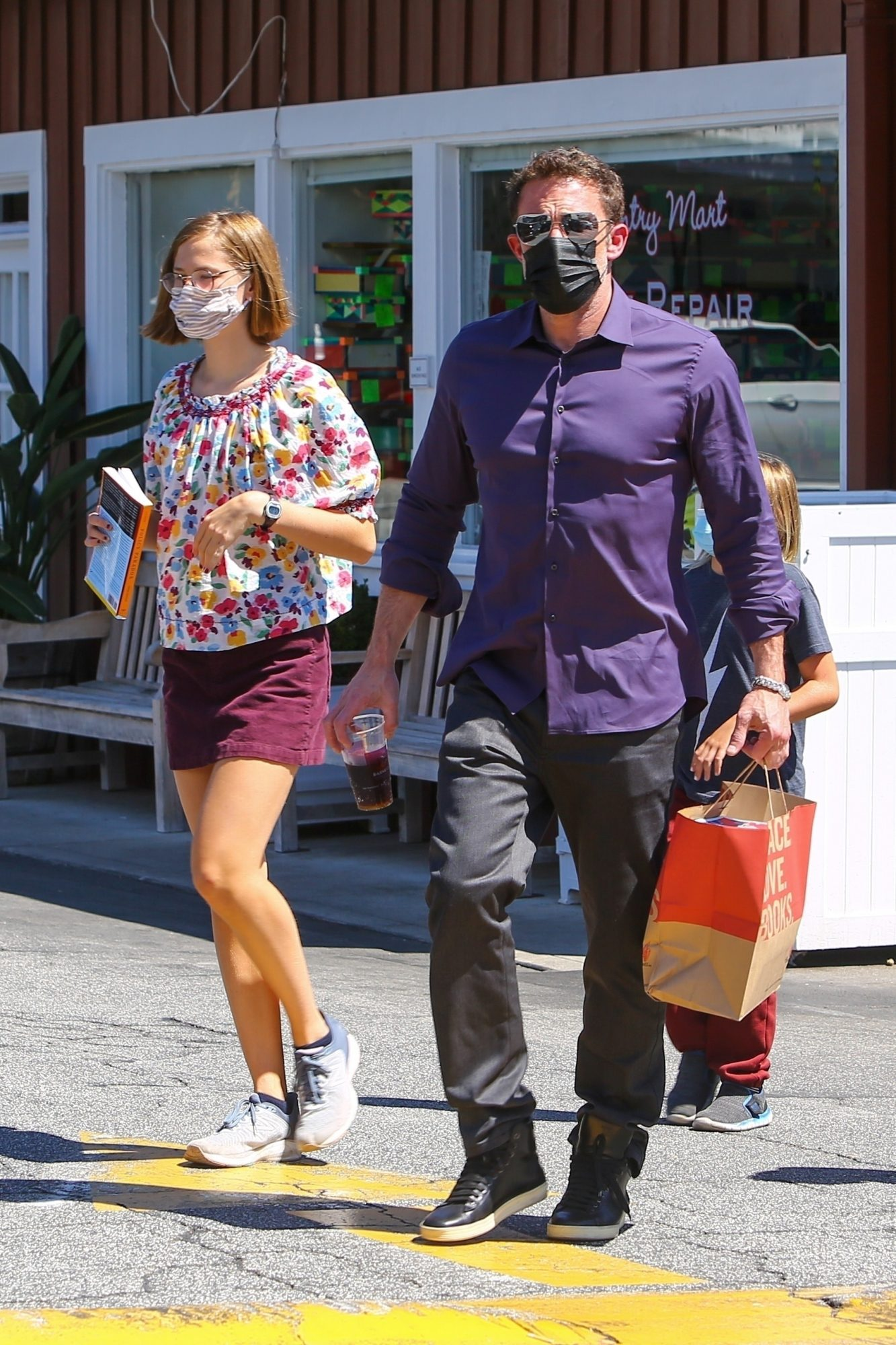 Ben Affleck and Kids Stop by the Brentwood Country Mart