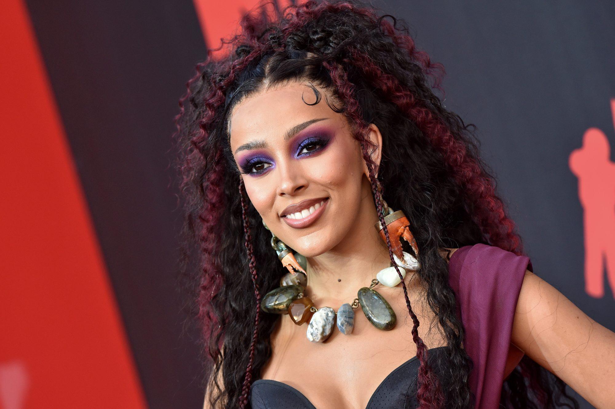 MTV VMA looks del belleza, Doja Cat