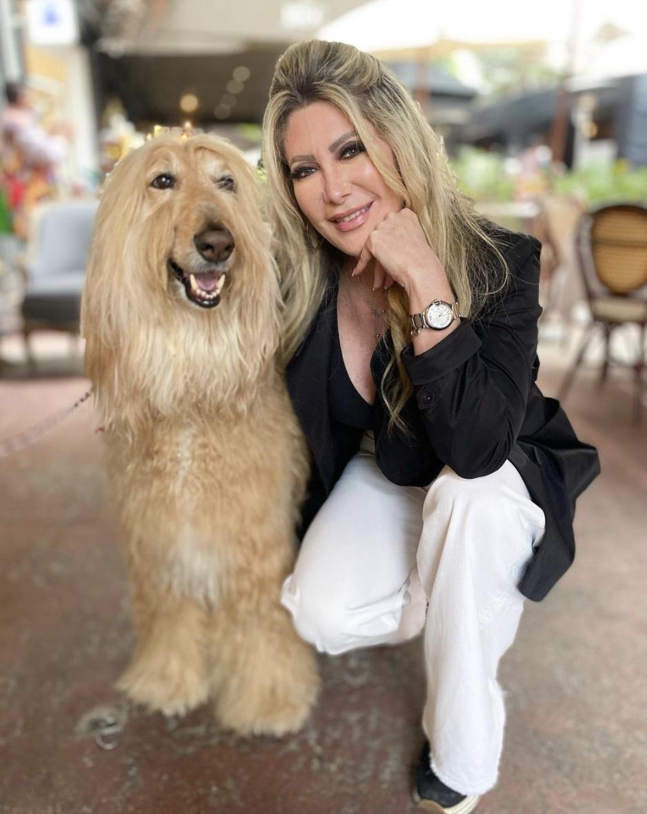 felicia mercado amante de los perros