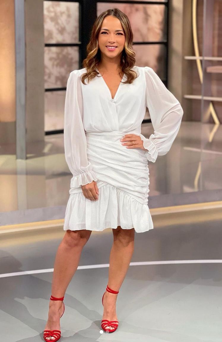 Adamari Lopez, look del dia, vestido blanco