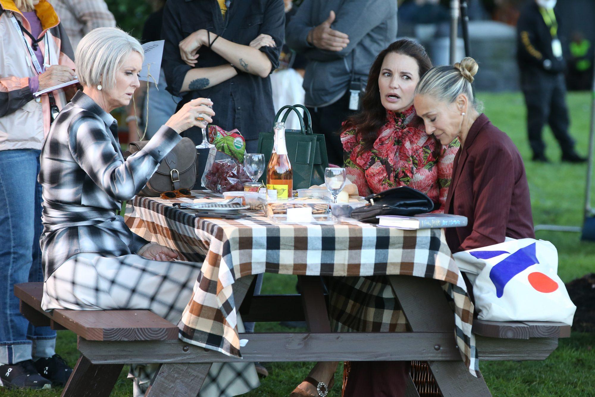 Sarah Jessica Parker, Kristin Davis & Cynthia Nixon Film an Emotional Picnic Scene