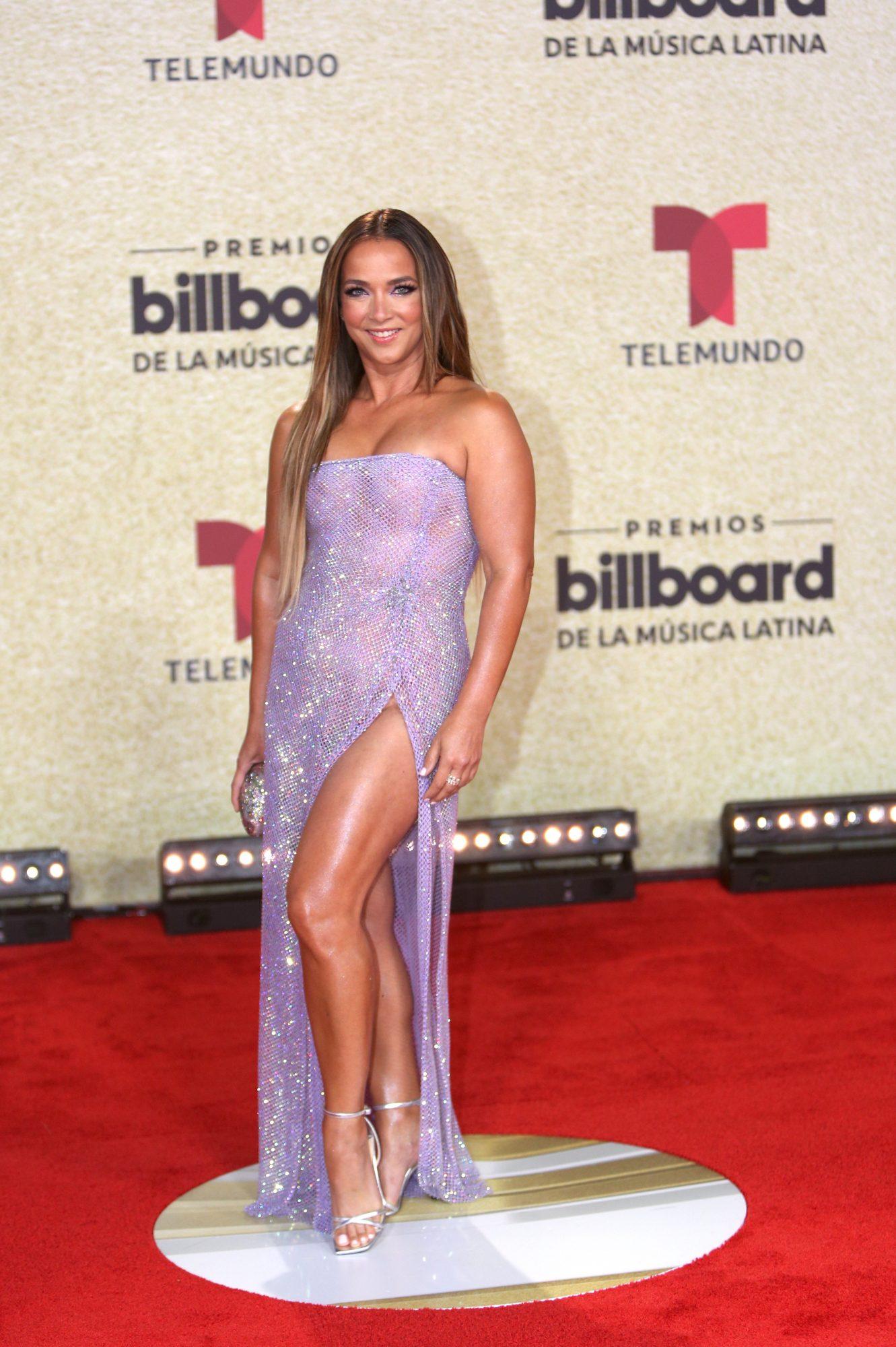 Adamari Lopez, Premios Billboard 2021