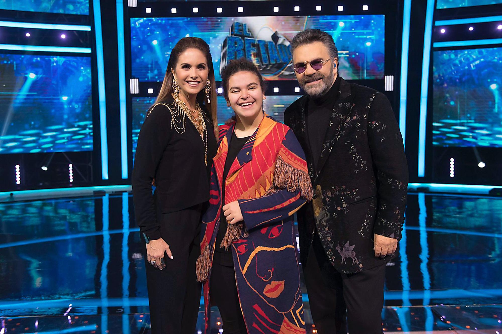 """Lucero y Mijares con su hija Lucerito en el séptimo programa de """"El Retador"""""""