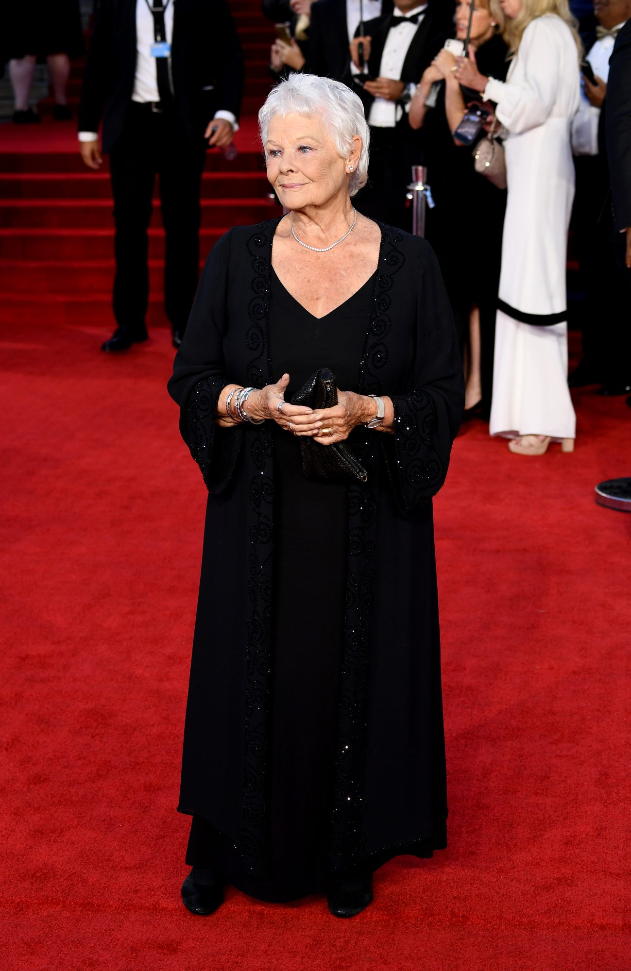 James Bond, No Time to Die estreno, alfombra roja, Judi Dench