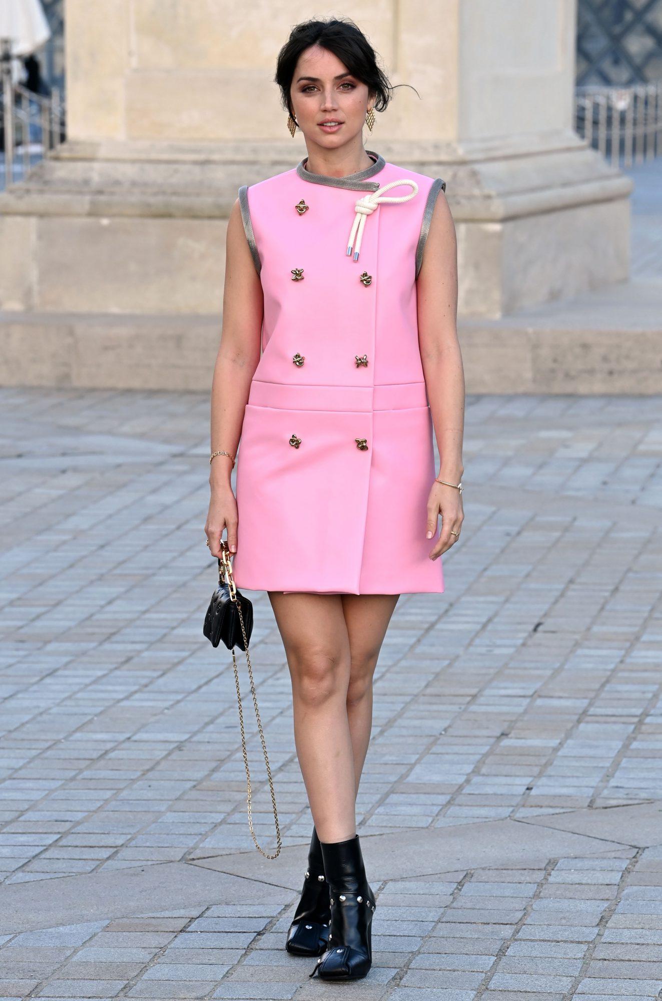 Ana de Armas en Paris, look del dia