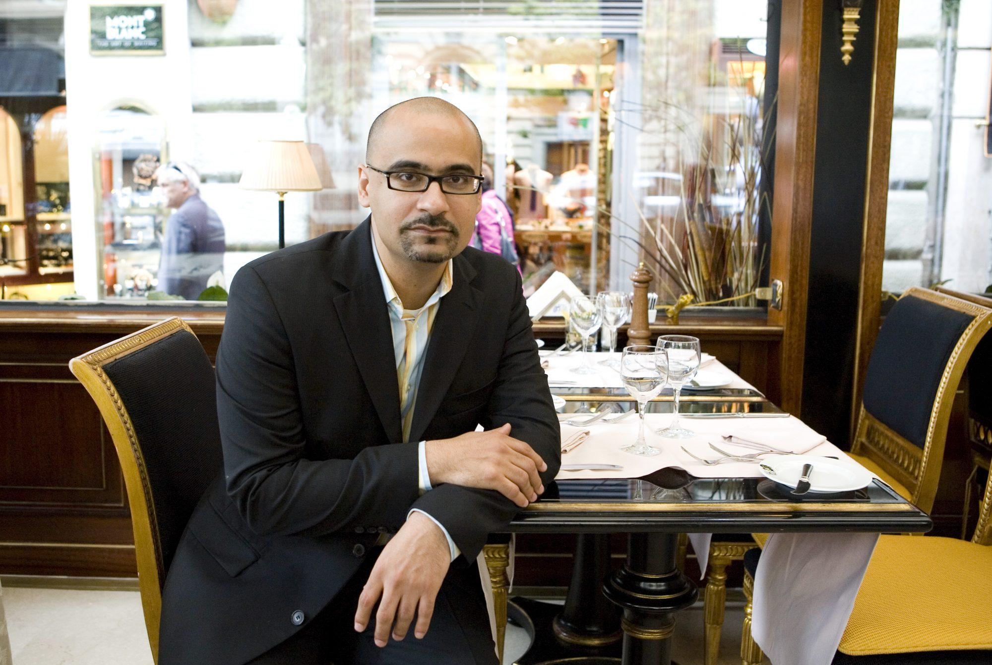 El dominicano se ha consolidado como uno de los autores latinos más reconocidos en los Estados Unidos durante las últimas décadas y su libro The Brief Wondrous Life of Oscar Wao le significó ser reconocido en el 2008 con el prestigioso Premio Pulitzer.