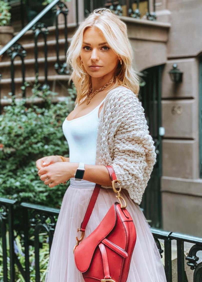 Irina Baeva, coleccion de bolsos, coleccion de carteras