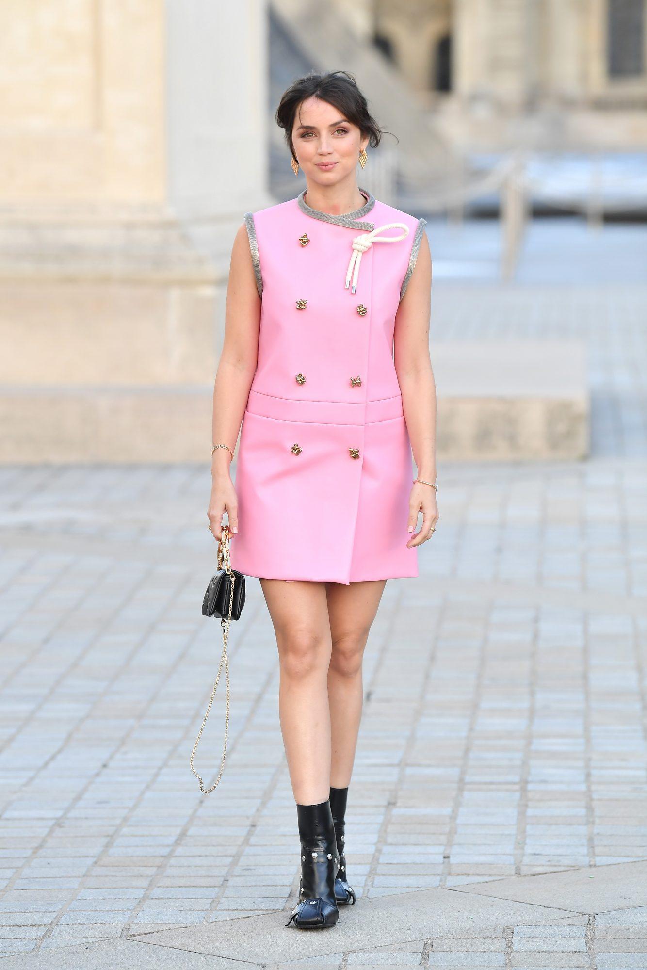 Famosas vestidas de rosa otoño