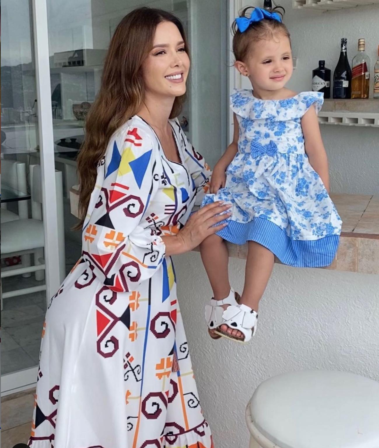 Marlene Favela y su pequeña