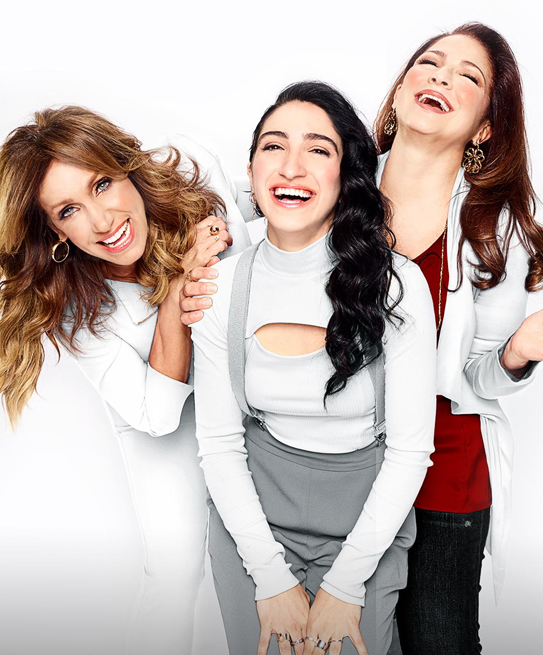 Lili, Emely y Gloria Estefan RTTE-GROUP_2_Credit-Sami-Drasin_Los-Angeles-March-2020