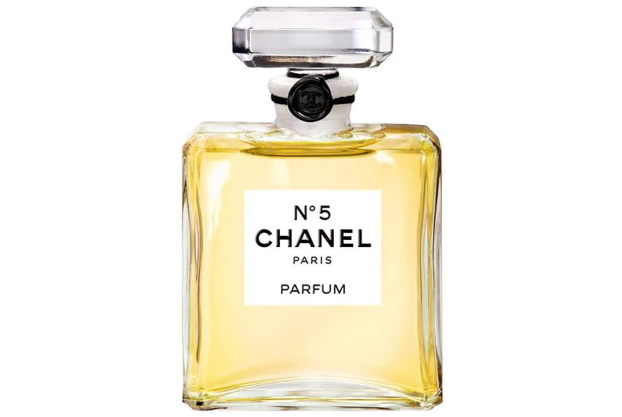 Valentines Day Ideas for Her: Chanel N°5 Perfume