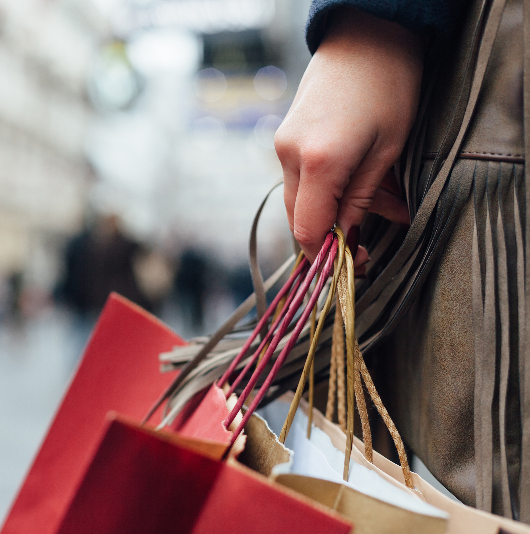 Holiday shopping bags