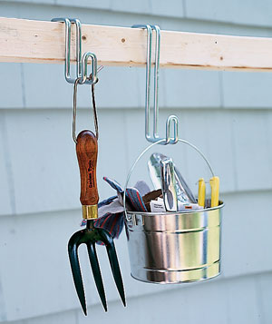Movable hooks allow you to rearrange tools as you wish to maximize convenience.