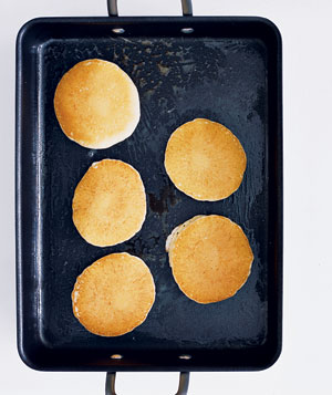 Roasting pan used as a griddle