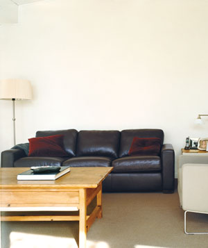 Undecorated living room