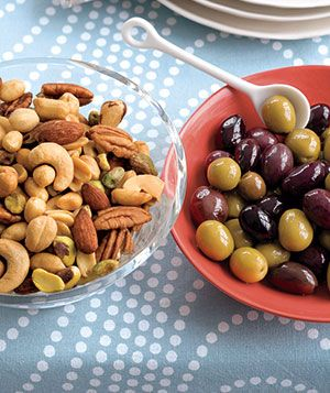 Nuts & olives