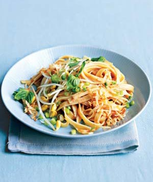 a plate of noodles