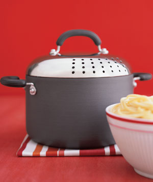 A cooking pot and pasta