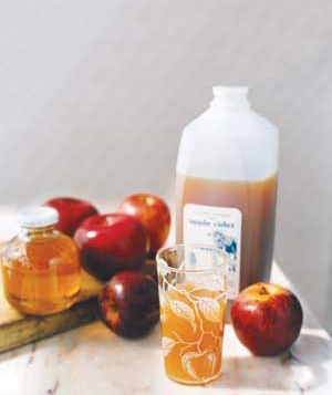 apples juice and cider